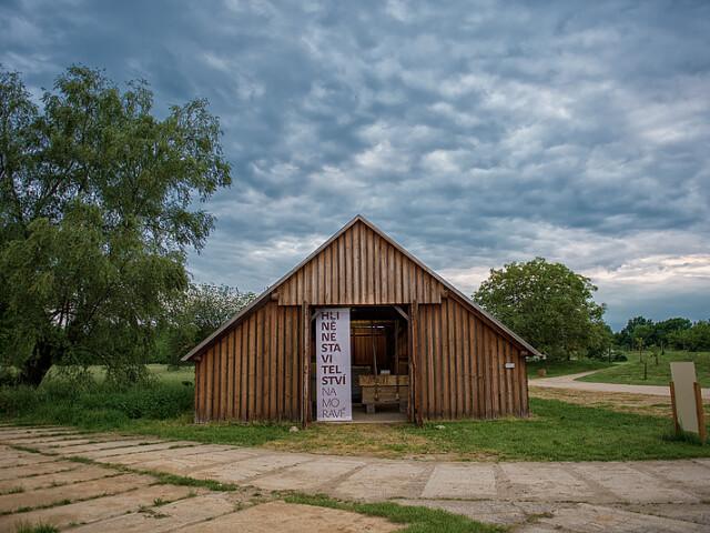 Hliněné stavitelství na Moravě – poutací reklama